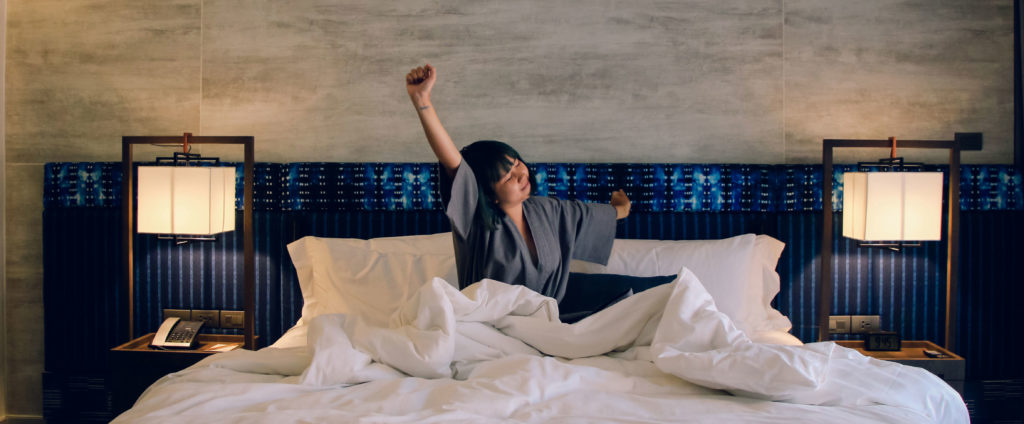 Cum sa ai un dormitor incarcat de energie intr-un apartament nou