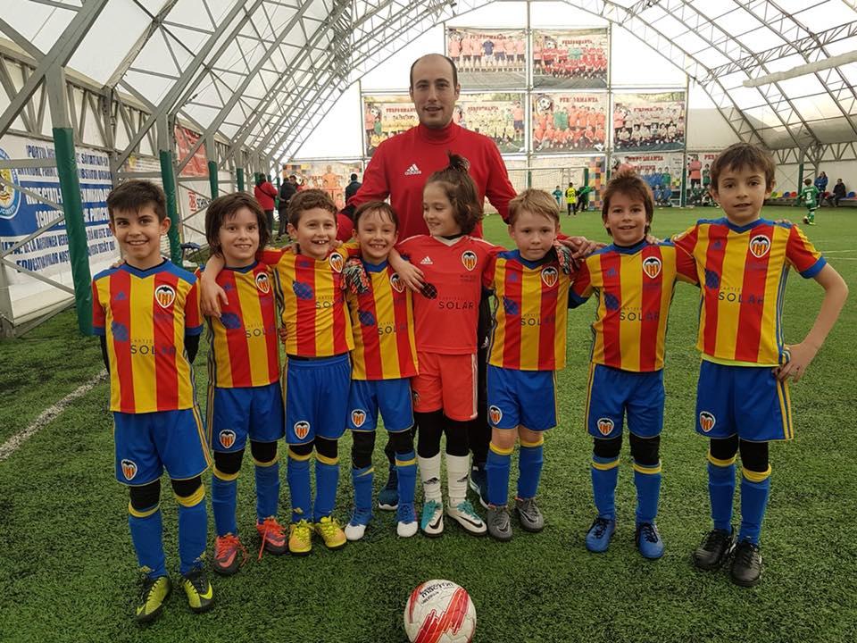 Cartierul Solar- sponsor principal al Academiei de Fotbal Valencia Romania